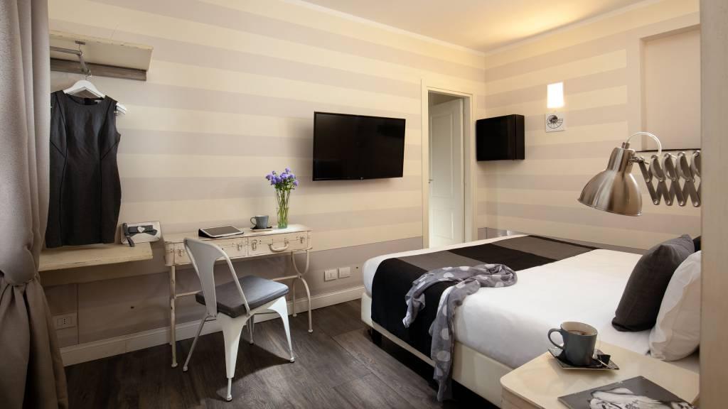 Spagna-Secret-Rooms-Rome-Economy-1