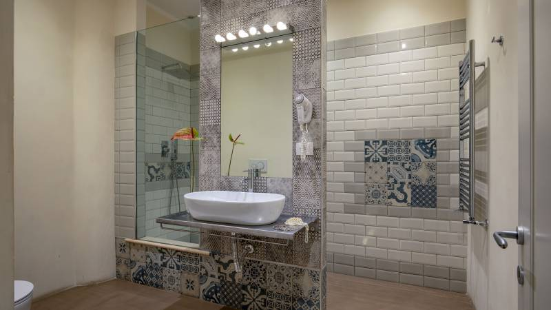 Spagna-Secret-Rooms-Rome-Bathroom-Economy